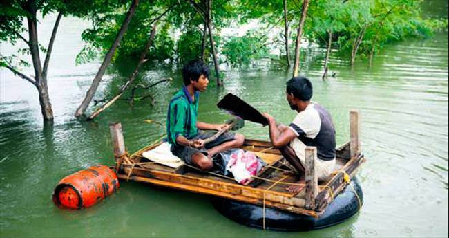 Muson yağmurları 17 cana mal oldu