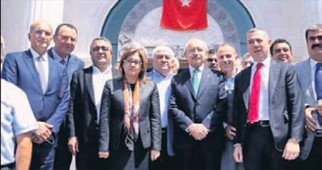 AK Parti'liler eşlik etti