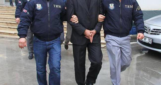 İzmir'deki FETÖ/PDY soruşturması: 3 tutuklama