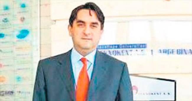 Gülen'in doktoru yurtdışına kaçtı