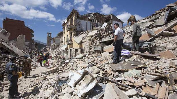 İtalya'daki depremde ölü sayısı yükseliyor!