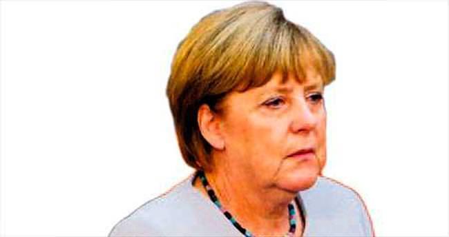 Merkel'in konvoyuna saldırı son anda engellendi
