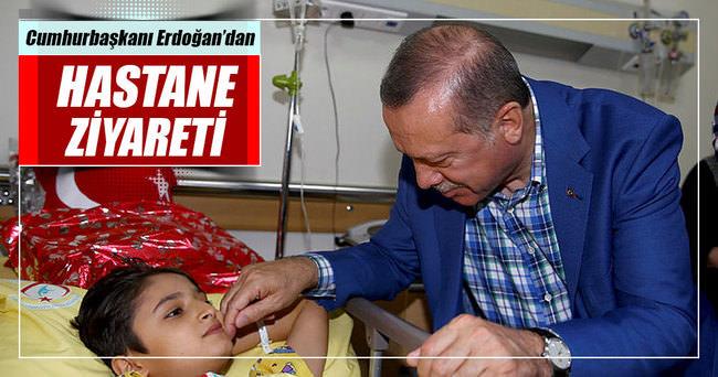 Erdoğan, terör saldırısında yaralananları hastanede ziyaret etti