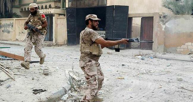 Sirte'deki çatışmalarda 21 asker öldü