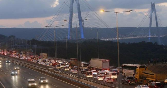 Yavuz Sultan Selim Köprüsü'nde ilgi trafiği