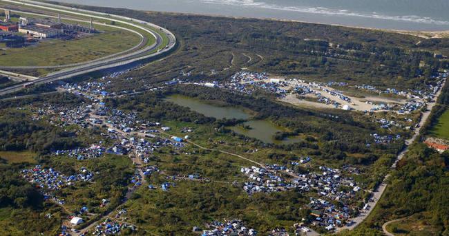 Calais'teki sığınmacı sayısı 10 bine yaklaştı