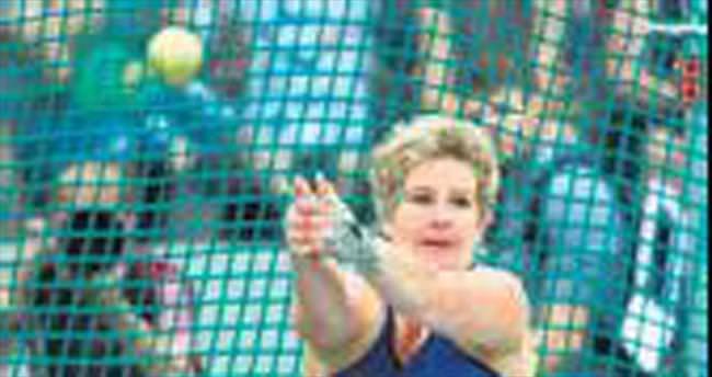 Wlodarczyk'den 5'inci dünya rekoru