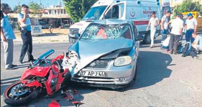 Motosiklet kazası: 2 polis yaralandı