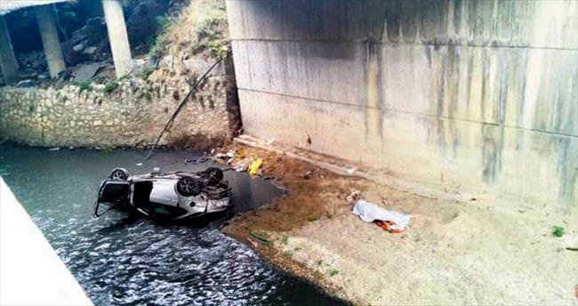 Otomobil 8 metreden kanala uçtu: 1 ölü