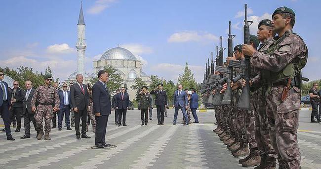 Azerbaycanlı Bakan Usubov, Özel Harekat'ı ziyaret etti