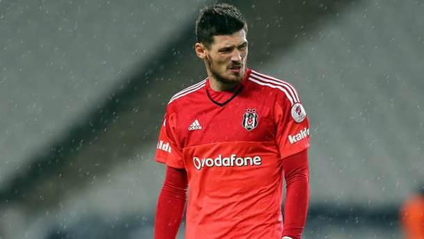 Beşiktaş'ta Boyko KAP'a bildirildi