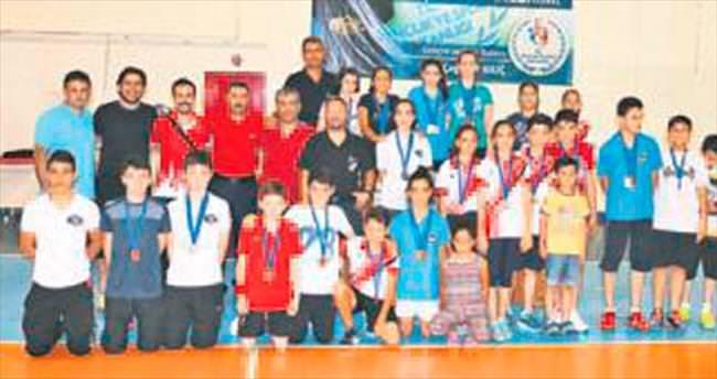 Badmintoncular 11 madalya kazandı