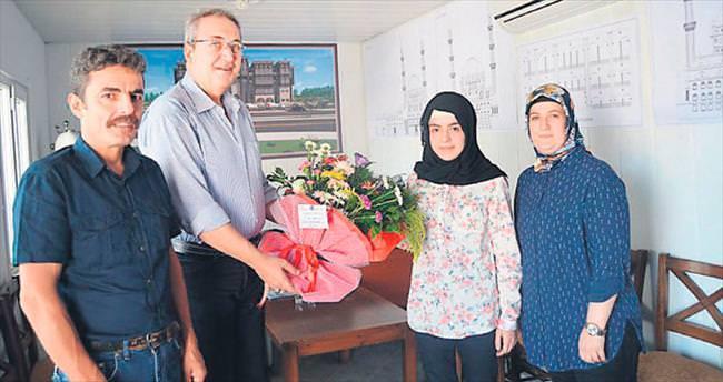 Sağlığına kavuşan genç Selin Kaynar Başkan Hasan Ünver'e teşekkür etti