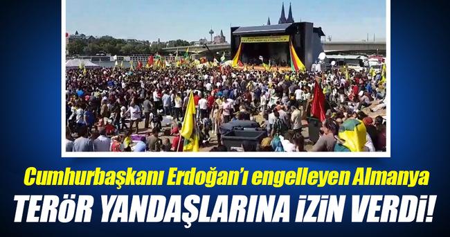 Almanya'da PKK yandaşları gösteri yaptı!