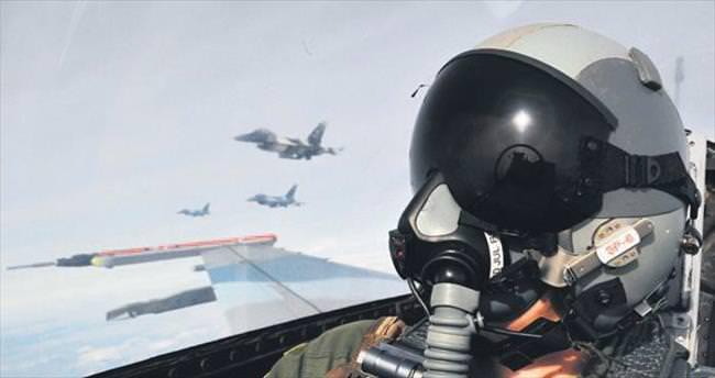 Mağdur pilotlar FETÖ'yü anlatacak