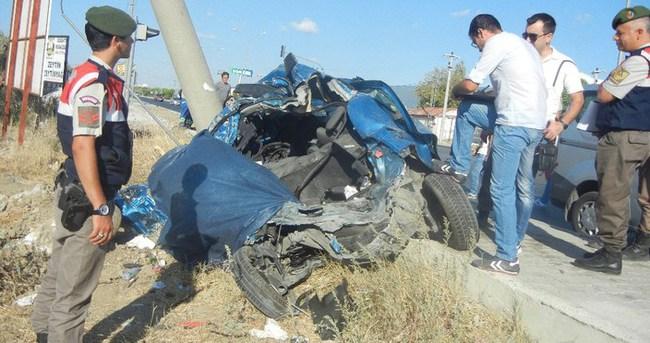 Edremit'te tur otobüsü faciası: 2 ölü