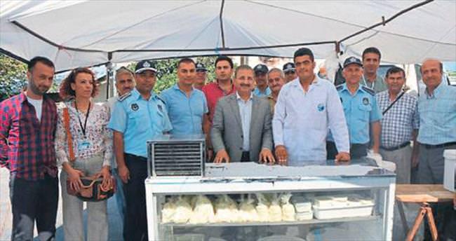 Başkan İsmail Kimyeci semt pazarını denetledi