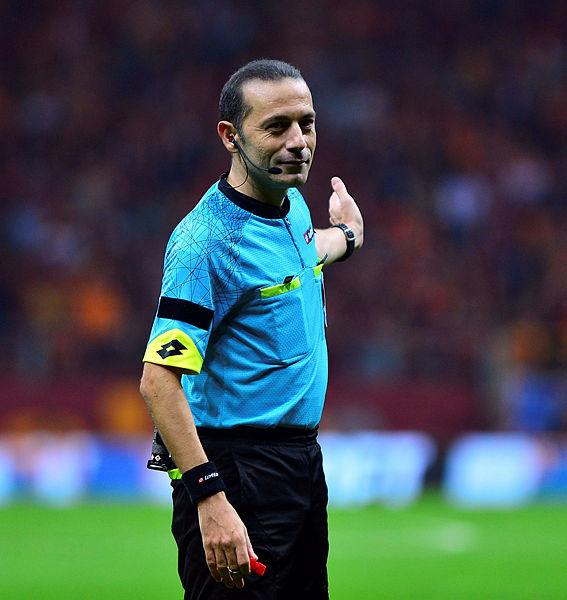 Derbinin penaltı pozisyonları için flaş açıklama