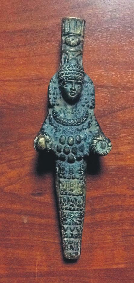Torpido gözünde Artemis heykelciği