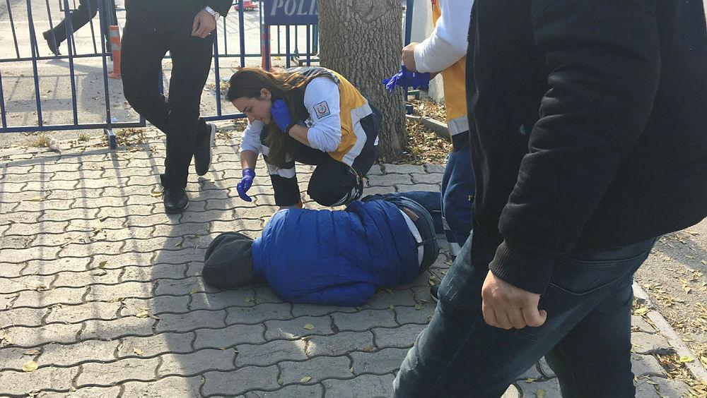 Karakol bahçesinde, 13 yaşındaki çocuk, 14 yaşındaki çocuğu vurdu