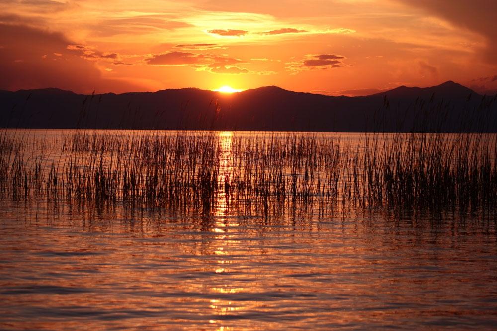 Beyşehir Gölünde günbatımı bir başka güzel
