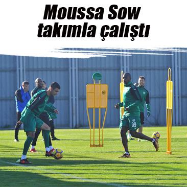 Moussa Sow takımla çalıştı
