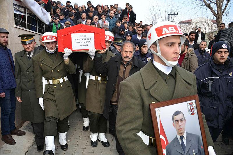 Sadece NATO değil, Türk bayrağından rahatsızlık duyan herkes aynı tepkiyi görür 91