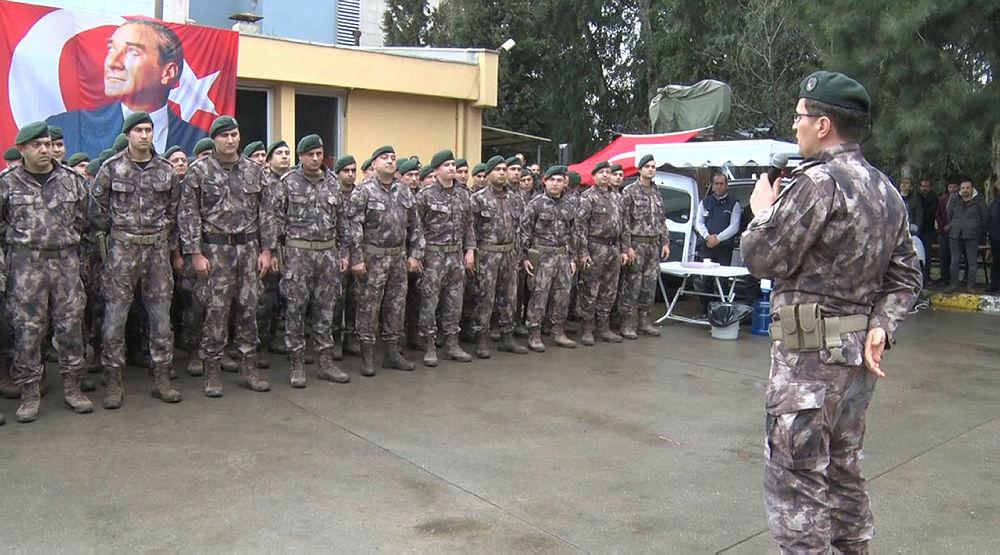 Özel harekat polisleri Afrin'e dualarla uğurlandı