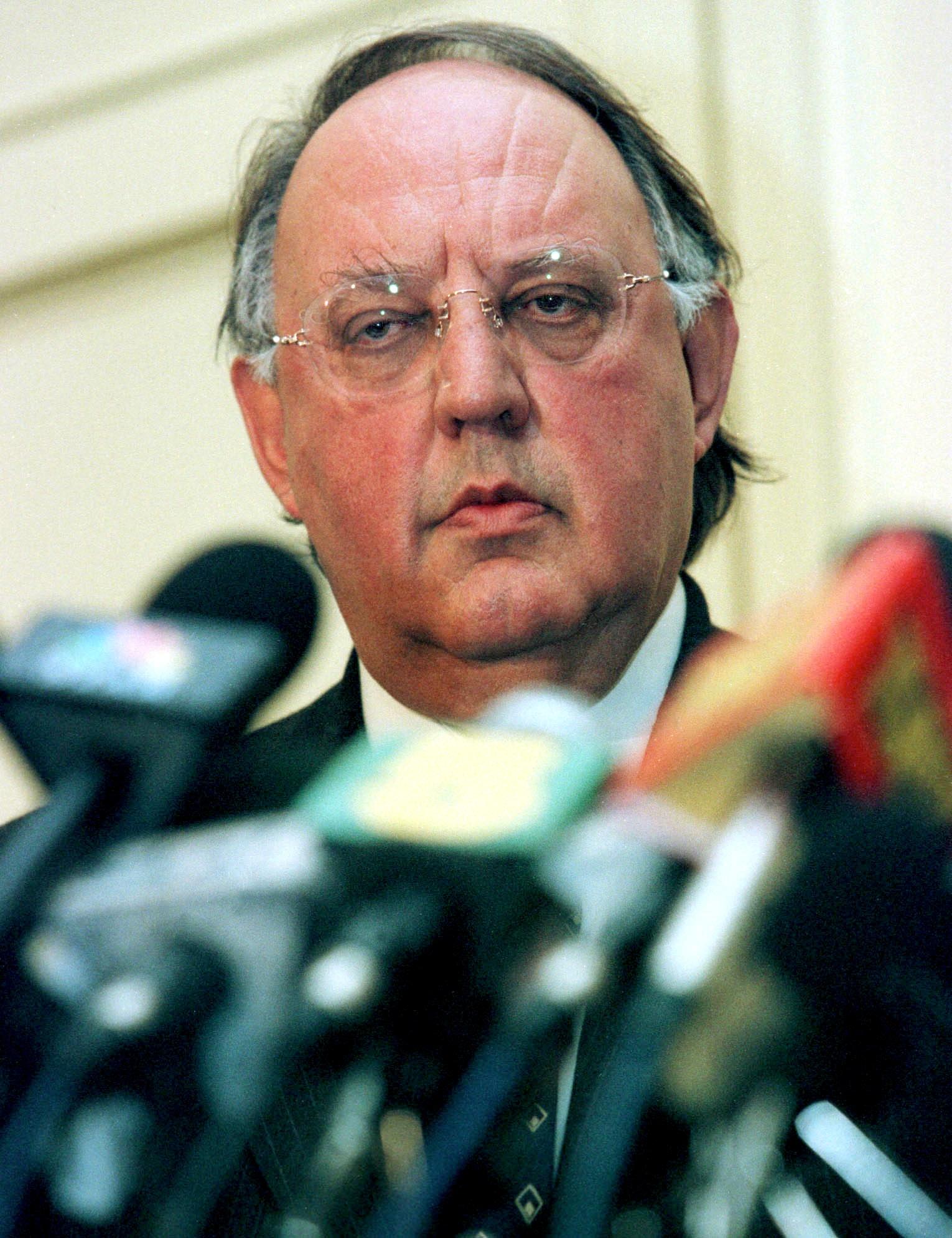 Yunanistan'da eski Dışişleri Bakanı Pangalos hakkında suç duyurusu