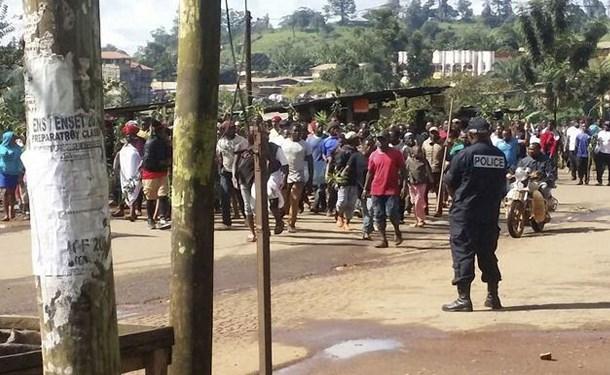 Kamerun'da 30'u üniversitesi öğrencisi 40 kişi kaçırıldı