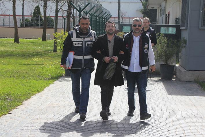İzmit'te belediye, okul ve muhtarlık soyan hırsız, çaldığı papağanlarla yakalandı