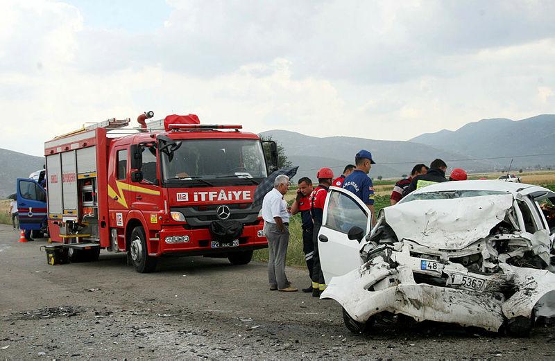 Karı koca aynı kazada hayatını kaybetti