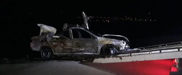 Samsun'da bariyerlere çarpan otomobil alev aldı: 3 ölü