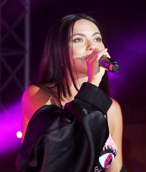 Rumen şarkıcı Inna, tatilcileri coşturdu