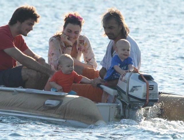 Oyuncu Yeşim Büber 10 yıldır yaşadığı tekneyle tura çıktı!