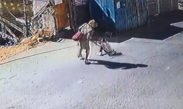 Küçük kıza anne şiddeti kamerada