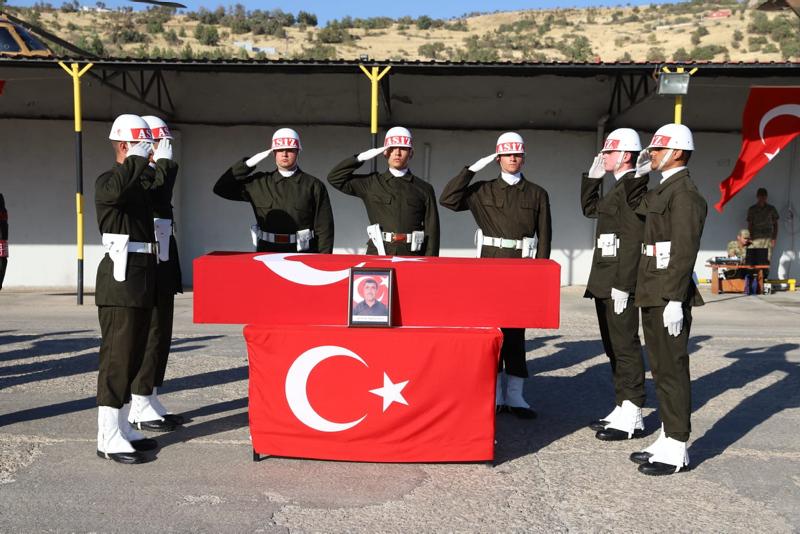 Şırnak'ta şehit olan 2 korucu törenle uğurlandı