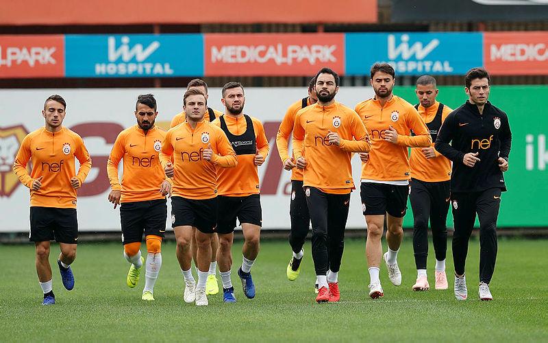 Galatasaray ı zor günler bekliyor