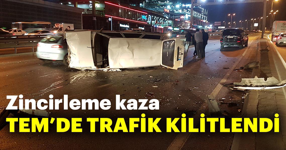 İstanbul'da zincirleme kaza! D-100'de trafik yoğunluğu oluştu