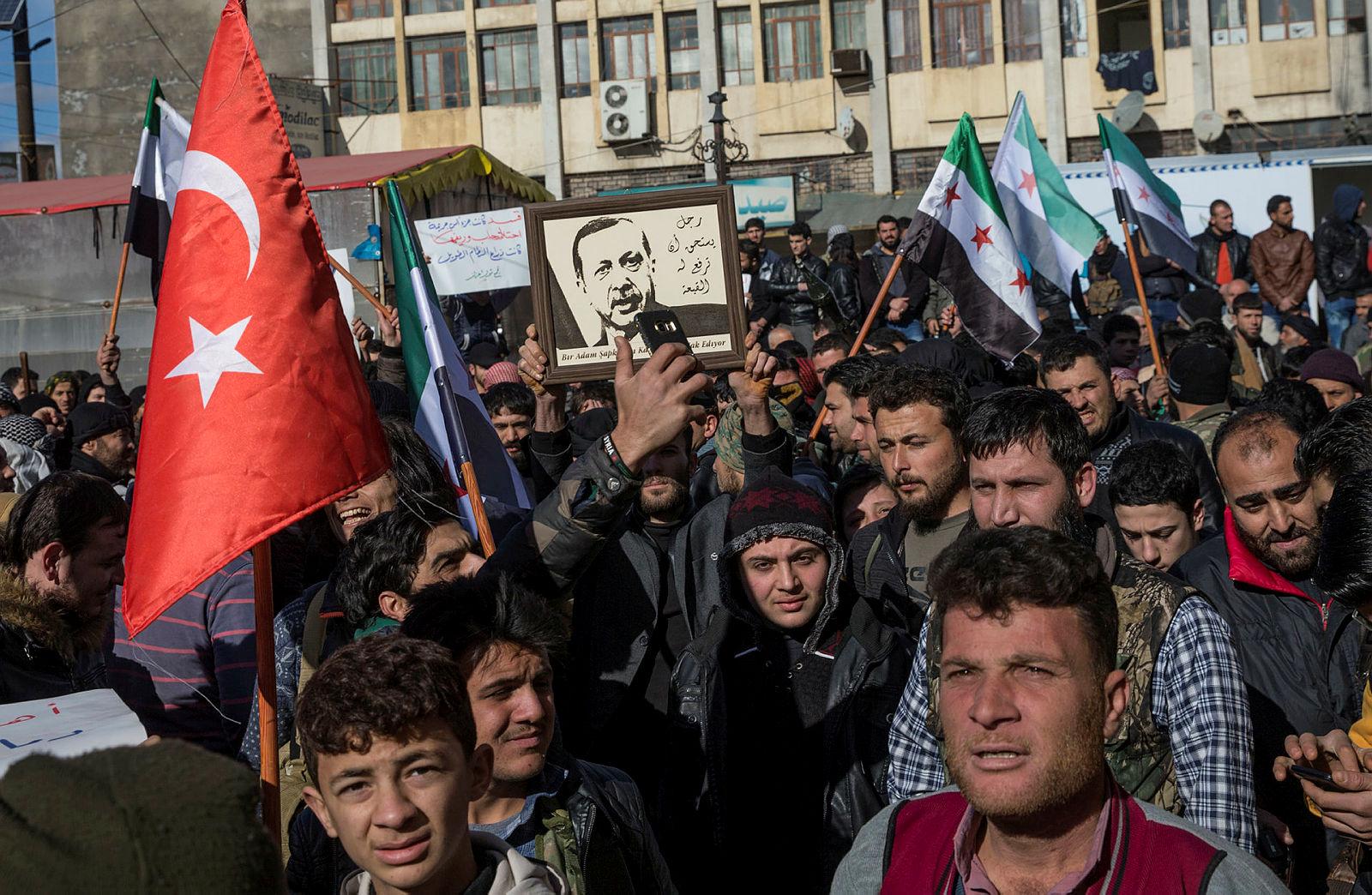 Suriyeli sığınmacılardan operasyona tam destek