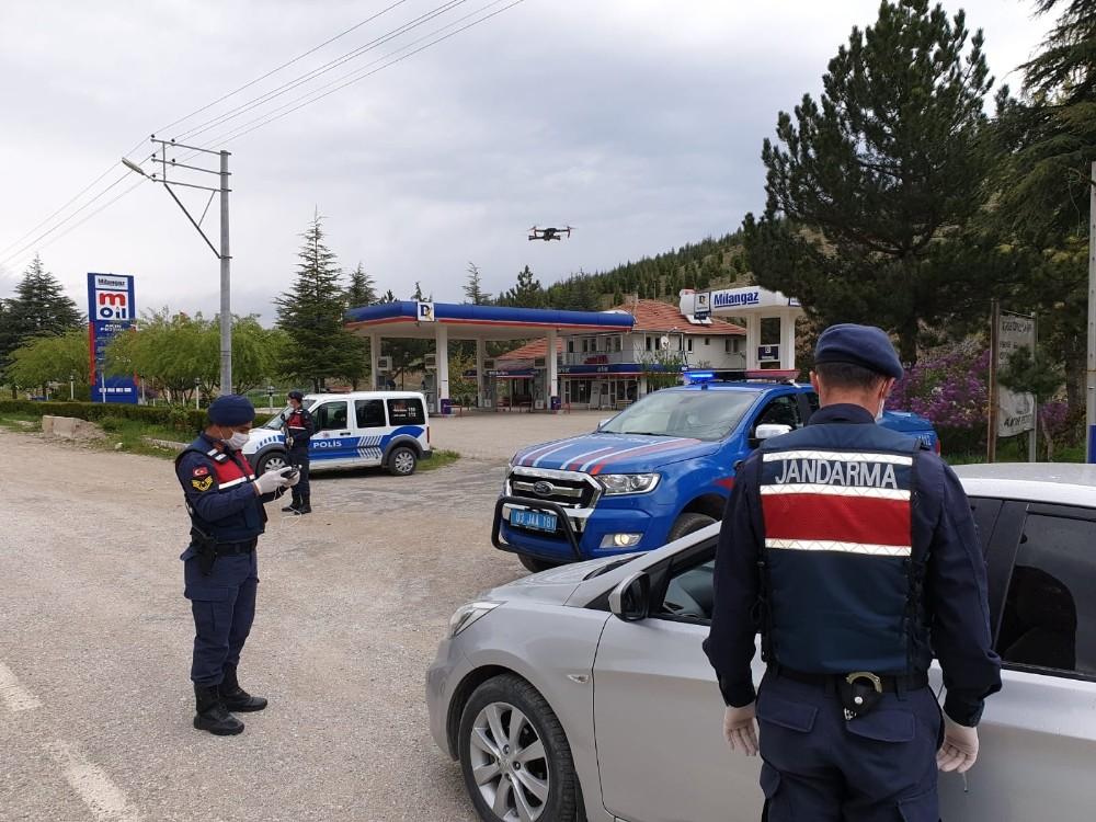 Jandarma trafik ekipleri ve trafik polislerinden Trafik Haftası uygulaması