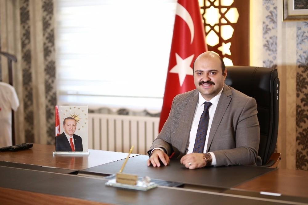 """Başkan Orhan: """"Bayramlarımızı sevince dönüştürelim"""""""