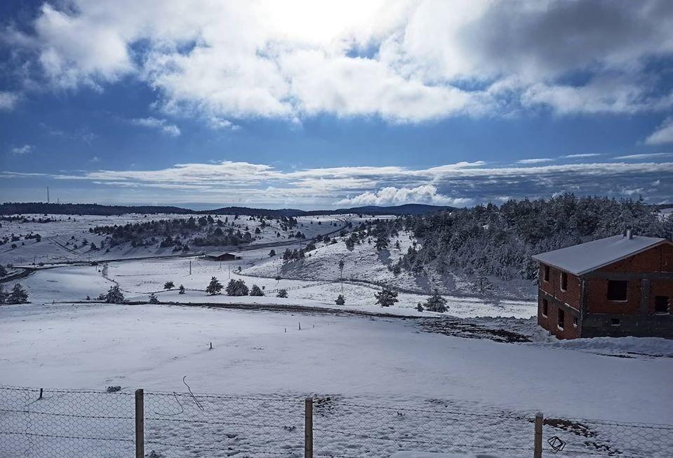 Kargı'da Mayıs ayında kar sürprizi