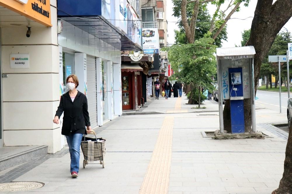 Bayram telaşıyla dolup taşan sokaklar ilk kez bu kadar boş kaldı