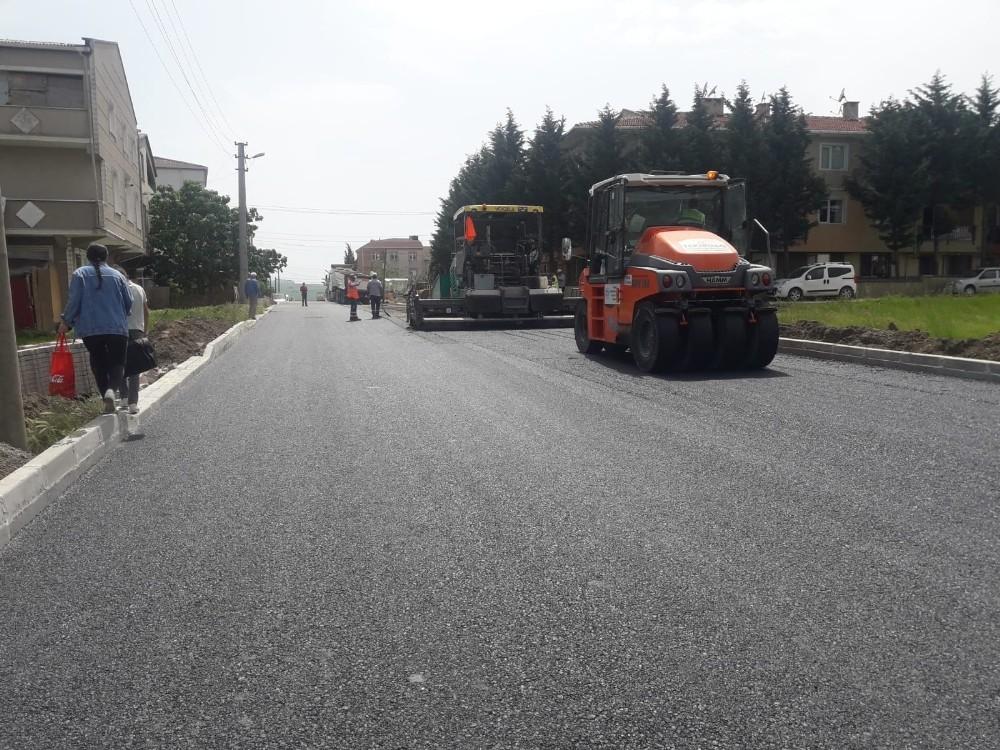 Sağlık Mahallesi'nde asfalt çalışmaları devam ediyor