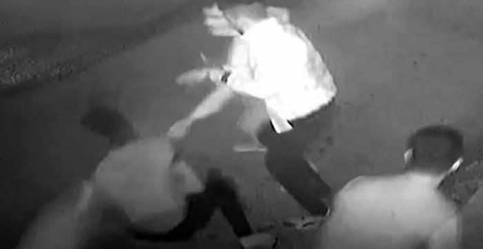 Seyyar satıcı kılığına giren polis katil zanlılarını yakaladı