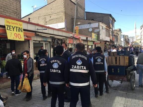 İpekyolu Belediyesi, bayram öncesi seyyar ve kaldırım işgaline karşı denetimler arttı