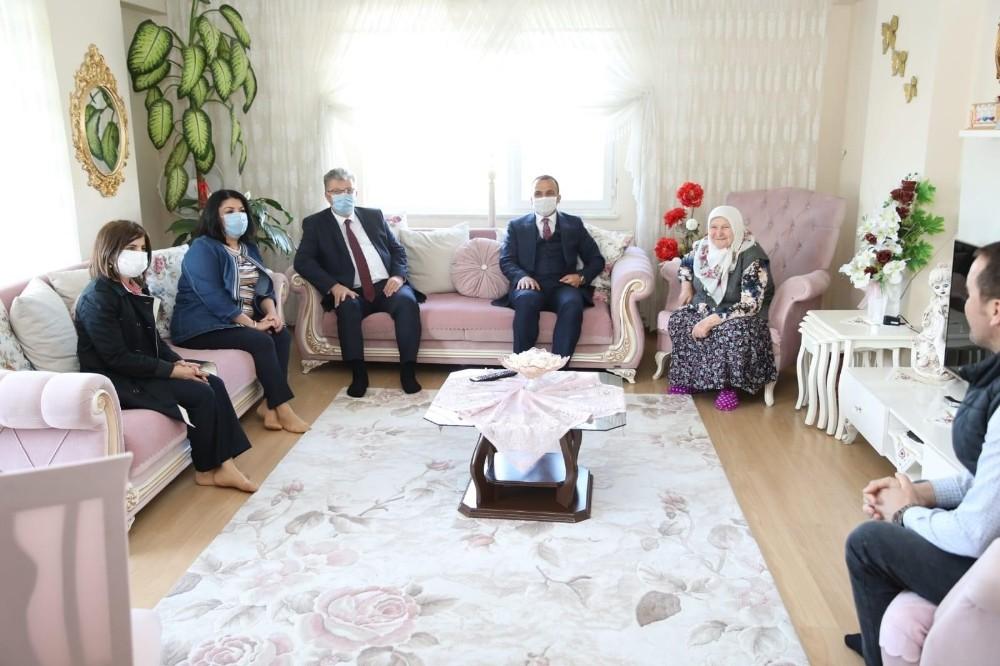 Şehit ailelerine bayram ziyareti
