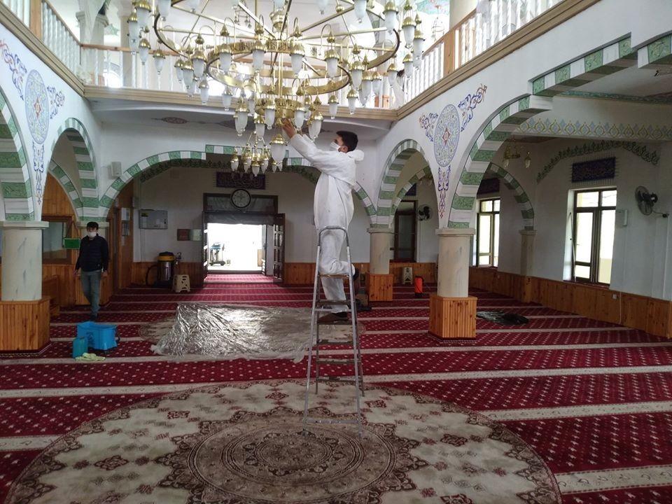 Boğaziçi'nde camiler dezenfekte edildi