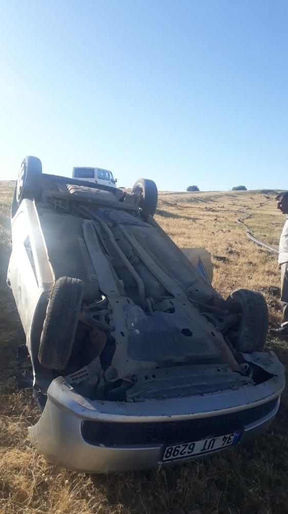 Kontrolden çıkan araç takla attı:3 yaralı